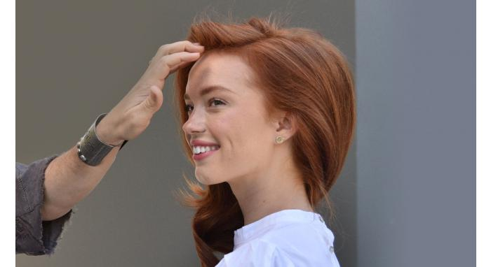 How To Revive Your Hairstyle with Dry Shampoo & Texturizing Spray