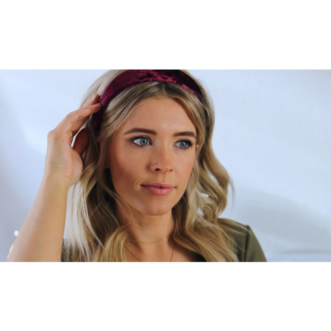 HOW TO: Pull Off The Headband Trend