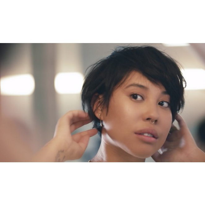 How to Create Quick Style on Short Hair with Texturizing Spray